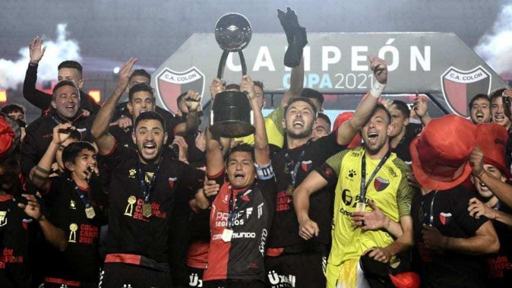 Colón ganó su primera Copa nacional con la obtención de la Copa de la Liga Profesional 2021